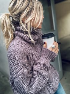 and hows this for the perfect winter hair-up! Fashion Moda, Cute Fashion, Style Fashion, Fall Winter Outfits, Autumn Winter Fashion, Fashion Fall, Fashion Trends, Mode Outfits, Fashion Outfits
