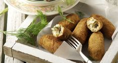 Fish croquettes by Greek chef Akis Petretzikis. Crunchy and delicious fish croquettes made with any kind of fish you like! Raw Food Recipes, Fish Recipes, New Recipes, Nutrition Chart, Nutrition Information, Processed Sugar, Sea Bass, Good Fats, Food Styling