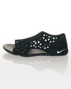 nike one strap sandal