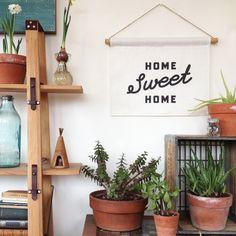 Linen Banner - Home Sweet Home Script Sweet Home, Sweet 16, Ideas Prácticas, Decor Ideas, Craft Ideas, Decoration Plante, Boho Home, Trendy Home, Hanging Wall Art