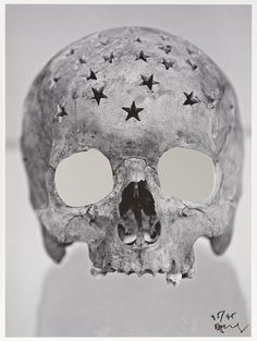 perfect skull of the night:Douglas Gordon[ Forty. 2007]