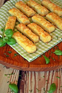 Napok múlva is puhák! Hungarian Desserts, Hungarian Cuisine, Hungarian Recipes, My Recipes, Cookie Recipes, Hungarian Mushroom Soup, Savory Pastry, Good Food, Yummy Food