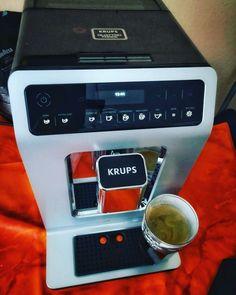 Werbung Mein Gast für die nächsten 4 Wochen Krups Quatro Force chic gell #krups #kaffee #vollautomat #kaffeemaschine #produkttest