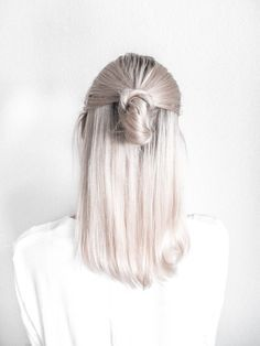 Half up knot. @thecoveteur