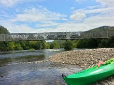 photo-break-while-canoeing.jpg 550×412 pixels