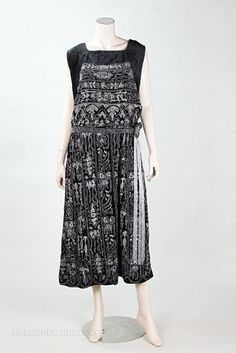 1920's Profusely Beaded & Metallic Embroidered Art Deco Silk Velvet And Lamé Dress