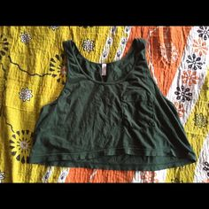 American apparel crop top American apparel crop top tank in hunter green. worn once or twice in good condition. one size, fits like a small/medium American Apparel Tops Crop Tops