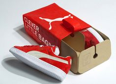 Clever Little Bag by Yves Béhar for Puma. An award-winning reusable shoe bag for the sportsbrand Puma which replaces the traditional cardboard shoe box, with an eco-friendly packaging that is half bag and half box. Innovative Packaging, Clever Packaging, Retail Packaging, Creative Shoes, Creative Ideas, Cardboard Packaging, Bag Packaging, Design Packaging, Packaging Ideas