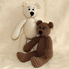 This PDF pattern includes Tilda the Bear and Filur the Polar Bear.