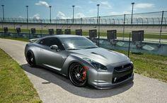 Nissan GTR dream import car!! Oh my good lord. Such a beautiful car. - LGMSports.com