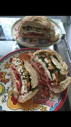 Zomers gevuld (picknick)brood