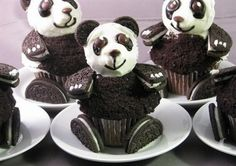 Love these panda bear cupcakes!