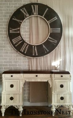 Waxing Painted Furniture, Furniture Fix, Chalk Paint Furniture, Furniture Makeover, Office Furniture, Furniture Ideas, Inviting Home, Amber Interiors, Assisted Living
