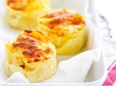 This article is about french dishes indians must try Mini Quiche Sans Pate, Quiche Muffins, Cauliflower Gratin, French Dishes, French Food, Eat This, Side Dish Recipes, Finger Foods, Holiday Recipes