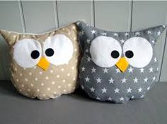 Making Animal Pillows - tutorial sort of Baby Pillows, Kids Pillows, Animal Pillows, Throw Pillows, Sewing Toys, Sewing Crafts, Sewing Projects, Owl Crafts, Diy And Crafts