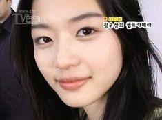 Olivia Hussey, Jun Ji Hyun, Pretty Woman, Idol, Guys, Portrait, Film, Celebrities, Artist