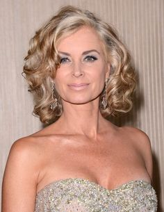 Days Of Our Lives Spoilers: Kristen DiMera Kidnaps Daniel as Eileen Davidson Makes Her Return to Salem Bride Hairstyles, Pretty Hairstyles, Short Hairstyles, Eileen Davidson, Medium Hair Styles, Long Hair Styles, Mother Of The Bride Hair, Beautiful Old Woman, Soft Curls
