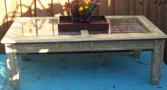 si pinto la mesa de la casa de blanco o azul menta y debajo de los vidrios puedo poner una imagen o tela o algo