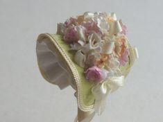 Handmade 1/12 miniature dollshouse pale green narrow bonnet