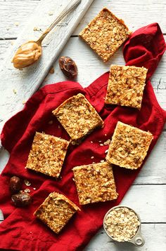 THE BEST Peanut Butter Granola Bars! 8 ingredients, naturally sweetened, and SO crunchy and delicious! #vegan #glutenfree #peanutbutter #recipe #minimalistbaker