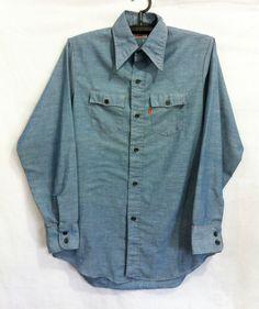 LEVI'S BIG E SHIRT Vintage Shirts, Vintage Outfits, Denim Button Up, Button Up Shirts, Cowboys Shirt, Cut Shirts, Mens Fashion, Fashion Fall, Long Sleeve Shirts