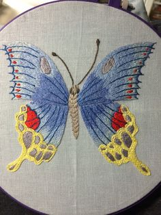 Resultado de imagem para leisha' s galaxy embroidery Hand Embroidery Projects, Embroidery Techniques, Embroidery Art, Embroidery Applique, Cross Stitch Embroidery, Embroidery Patterns, Quilt Patterns, Embroidery On Clothes, Butterfly Embroidery