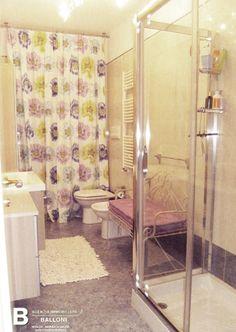 http://www.immobiliareballoni.it/vendite/marina-di-massa-appartamento-vendita/ #splendido #appartamento a #marinadimassa con rara terrazza abitabile di 100 mq, con copertura automatizzata. Bagno