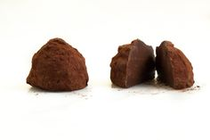Fresh Chocolates - Sea Salted Caramel Bonbon Sea Salt Caramel, Restaurant Recipes, Melting Chocolate, Chocolates, Preserves, Muffin, Fresh, Breakfast, Desserts