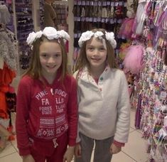 Famous People, My Girl, Twins, Crown, Sisters, Girls, Fashion, Toddler Girls, Moda
