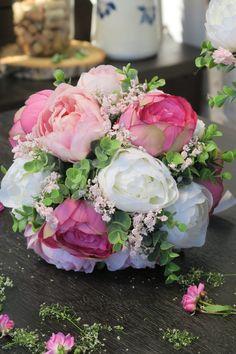 svatební kytice, látkové květiny, pivoňka Floral Wreath, Wreaths, Home Decor, Homemade Home Decor, Flower Crowns, Door Wreaths, Deco Mesh Wreaths, Interior Design, Home Interiors