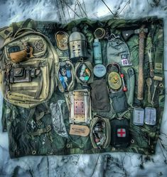 Survival Techniques And Strategies For Bushcraft Bushcraft Backpack, Bushcraft Gear, Bushcraft Camping, Tactical Survival, Camping Survival, Outdoor Survival, Tactical Gear, Camping Gear, Outdoor Gear