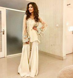 Latest Stitching Styles Of Pakistani Dresses 2019 Pakistani Wedding Outfits, Pakistani Dresses, Indian Dresses, Indian Outfits, Pakistani Gharara, Western Dresses, Indian Attire, Indian Wear, Eid Outfits