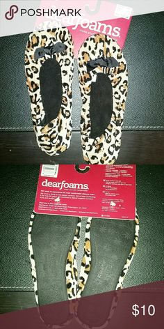 Dearfoams leopard slippers Nwt small New dearfoams leopard slippers. Very chushie and soft. Nwt dearfoams  Shoes Slippers