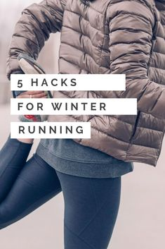 There's no excuse to skip your run in the winter! Here's a step by step guide to running in the winter including safety tips, what you should wear to run in the cold and many other tips. Winter isn't going to put a stop to your training plan with these ru Marathon Training For Beginners, Running For Beginners, Half Marathon Training, Marathon Running, How To Start Running, Running Diet, Running Form, Running Wear, Trail Running