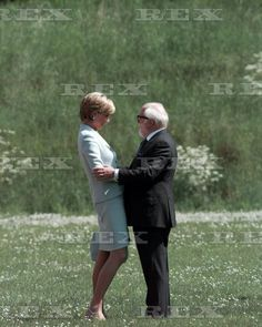 May 27 1997 Diana, Princess Of Wales Opens The Richard Attenborough Centre For Disability And The Arts At Leicester University.
