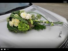 Autodeko Wedding Car Decorations, Table Decorations, Marie, Wedding Flowers, Weddings, Car Decorating, Garlands, Viajes, Flowers