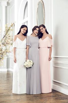 Grey bridesmaid dresses are having a moment; from shimmering slinky gowns, to floaty lace numbers, everyone looks effortlessly cool in a shade of grey Informations About 26 gorgeous grey bridesmaid dr Bridesmaid Dresses With Sleeves, Grey Bridesmaids, Bridesmaid Dress Styles, Bridesmaid Outfit, Prom Dresses, Long Dresses, Grey Blue Bridesmaid Dresses, Reception Dresses, Bridesmaid Ideas