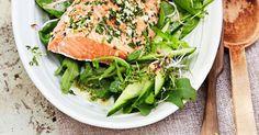 Salat mit gebackenem Lachs ist ein Rezept mit frischen Zutaten aus der Kategorie Blattgemüse. Probieren Sie dieses und weitere Rezepte von EAT SMARTER!