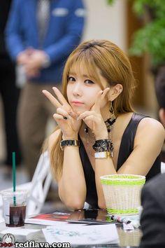 허윤미 (Heo Yun Mi)