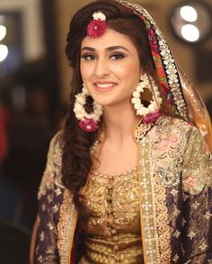 Bridal Jewelry Please contact Flower Hut for your big day and all your custom made jewelry needs. Pakistani Fashion Party Wear, Pakistani Wedding Outfits, Pakistani Bridal, Bridal Outfits, Indian Bridal, Wedding Attire, Wedding Bride, Wedding Events, Dream Wedding