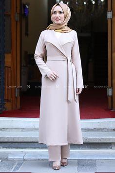 Emsale - Bej Hira İkili Takım - ES13628 Hijab Dress, Hijab Outfit, I Dress, Hijab Fashion, Fashion Outfits, Muslim Fashion, Cute Formal Dresses, Muslim Wedding Dresses, Baby Frocks Designs