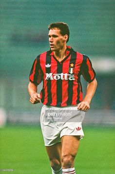 Today in Milan history: 08.11.1992 Marco Van Basten scores 4 goals, #Milan smash #Napoli 5-1 at the San Paolo