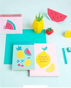 love this adorable paper fruits setting!