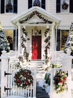 Inspiration for Christmas Decorating and Holiday Parties: Holiday Champagne Punch, Decorating a Porch for Christmas, Pottery Barn Christmas Garland, Wine Chiller, Christmas Party Gift-Giving Game Best Outdoor Christmas Decorations, Christmas Porch, Noel Christmas, Christmas Lights, Christmas Mantles, Silver Christmas, Victorian Christmas, Christmas Design, Christmas Nails