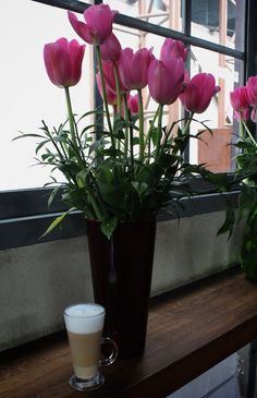 otto santral, tall latte, flowers, tulips