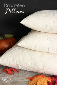 Easy sewing project to make pretty fall decorative pillows for my fall home décor.