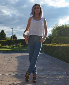 Teaming Topshop Mom Jeans with a white lace vest and vintage accessories from Portobello Style <3 See more on the blog >> http://www.rockonholly.com/2015/06/ootd-portobello-style.html