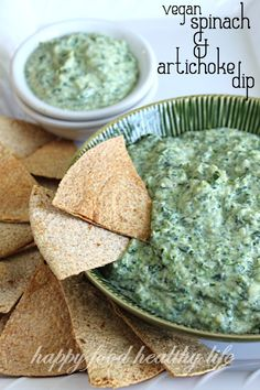 This Vegan Spinach and Artichoke Dip is downright AWESOME!! #recipes #vegan #healthy #skinnyms