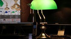 Lampe de bibliothèque verte en laiton et opaline