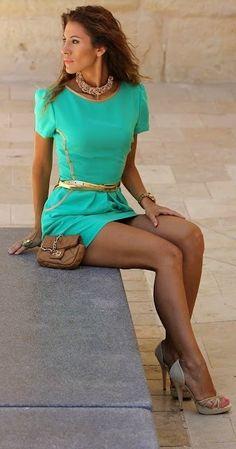 Elegante vestido verde agua